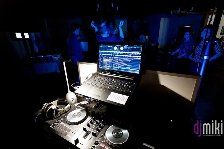 DJ Miki / Sraz spolužáků po 29 letech