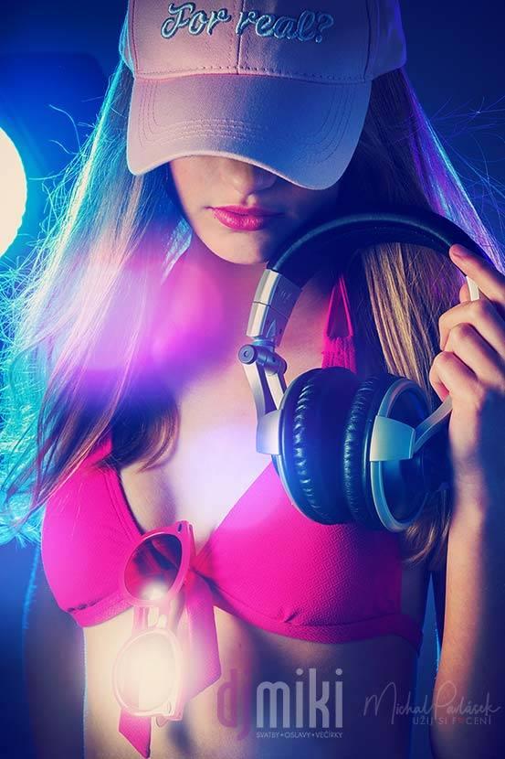 DJ Miki / Líbila by se vám Kristýna jako DJka?